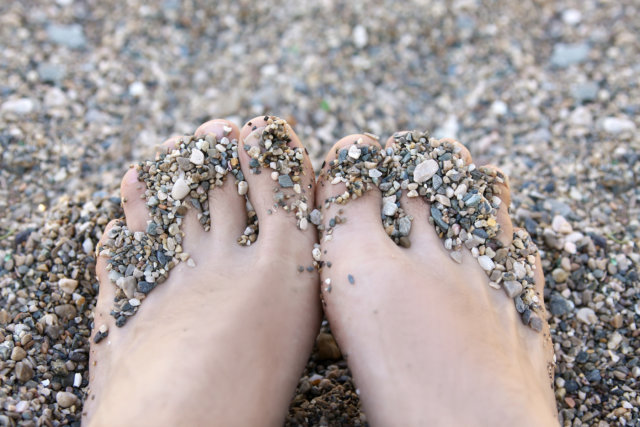 Healthy Urban living Barefoot Therapy Grounding Earthing